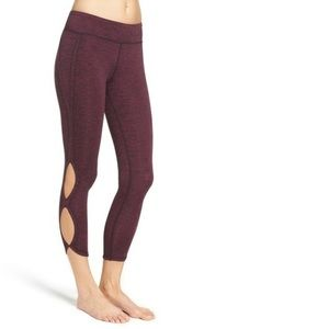 Free People Size Medium Infinity Cut Out Leggings